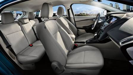 Ford Focus Hatch 2015 interior