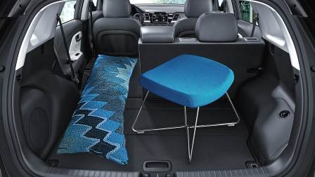 2017 kia niro overview and comparison to similars in length. Black Bedroom Furniture Sets. Home Design Ideas