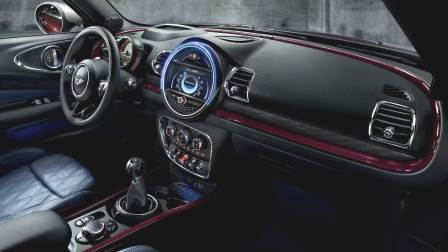 MINI Clubman 2020 dashboard