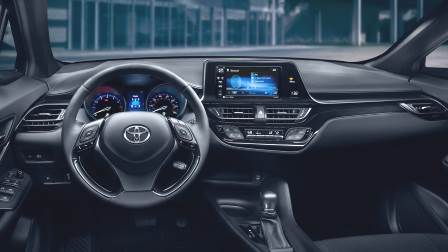 Toyota C-HR 2018 dashboard